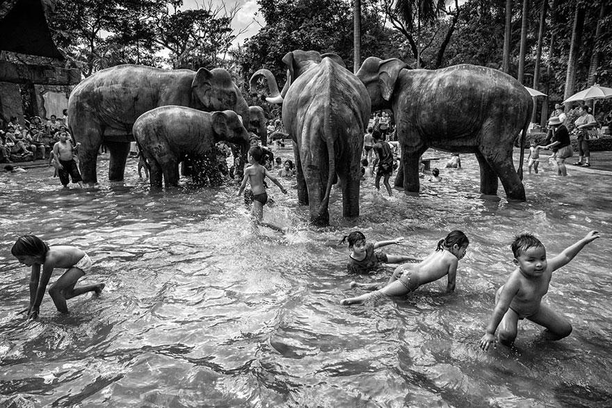 """Premio Nacional de Tailandia: """"Día del Niño"""" por Suthas Rungsirisilp"""