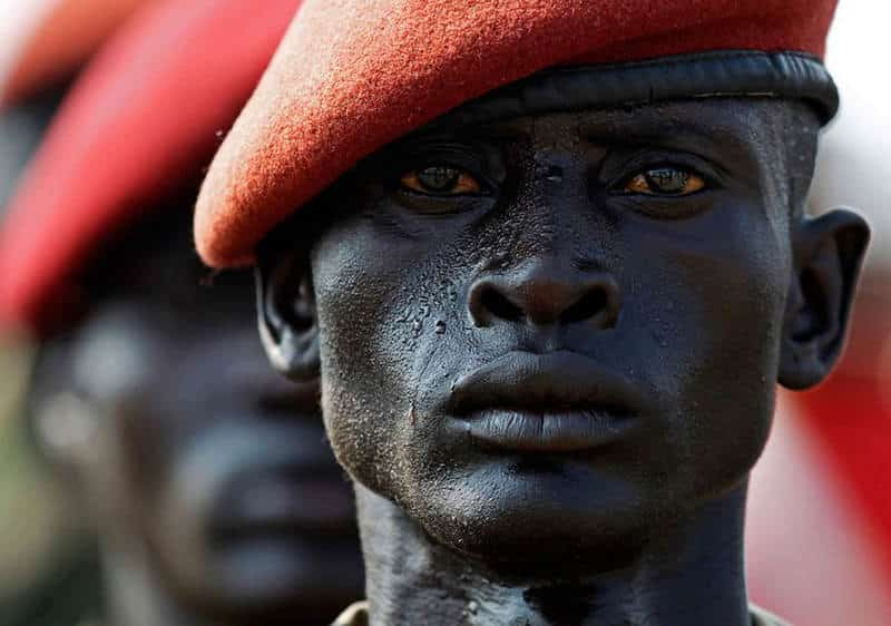 photographs-south-sudan-soldier