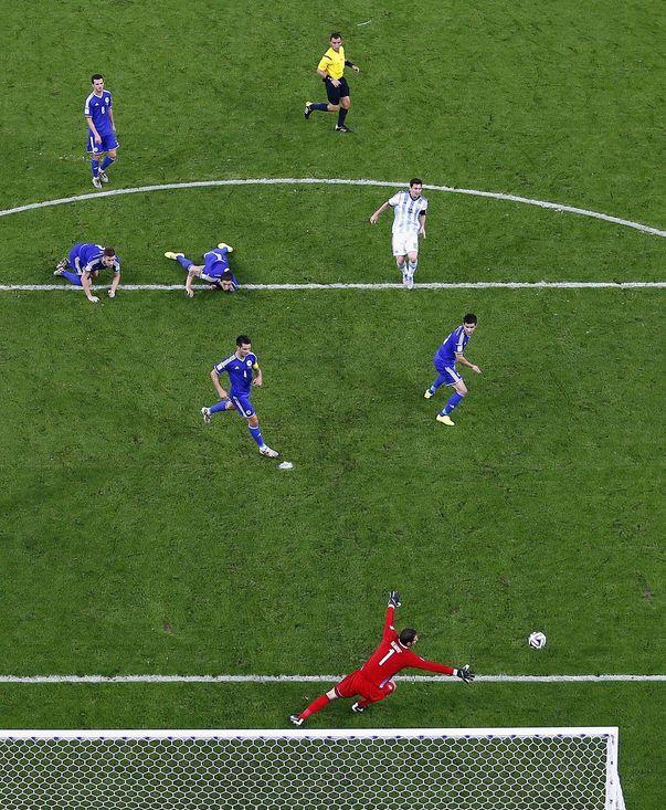 Lionel Messi anotando un gol