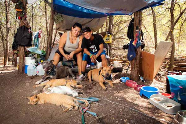 homeless-and-dogs3