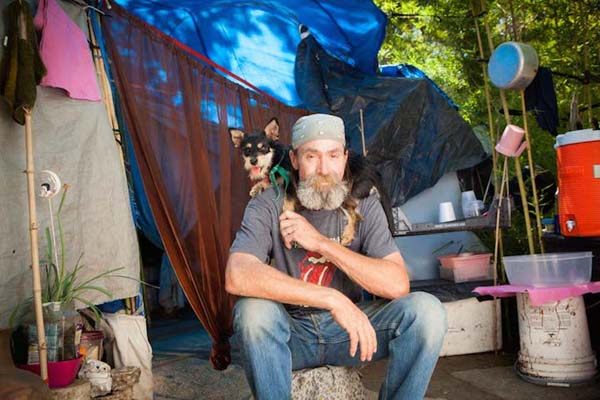 homeless-and-dogs6