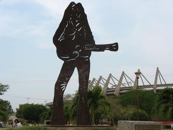 Escultura Shakira