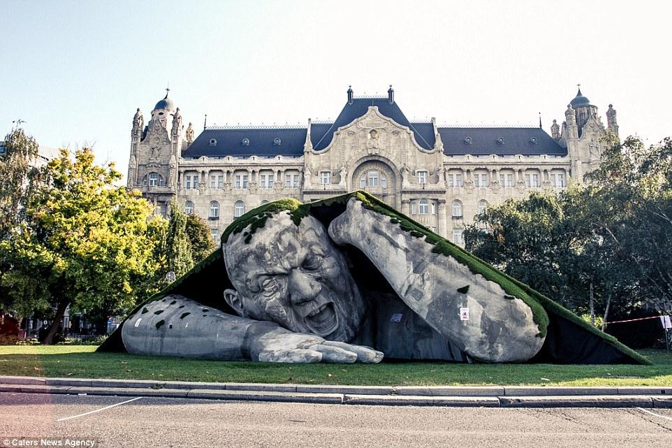 escultura de Ervin Herve-Loranth